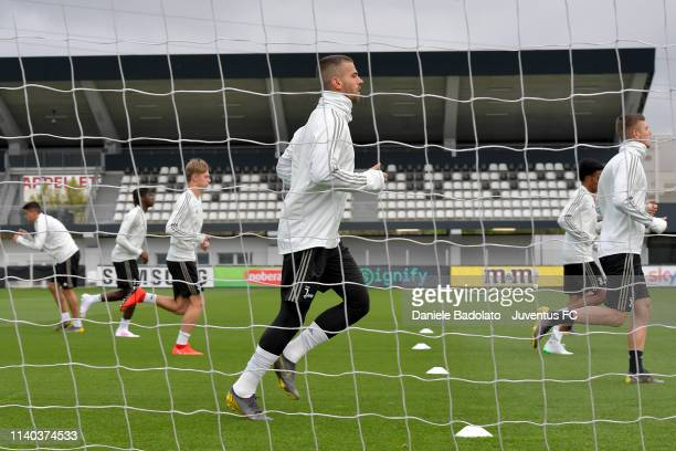 Juventus player Leonardo Spinazzola during a training session at JTC on April 04 2019 in Turin Italy