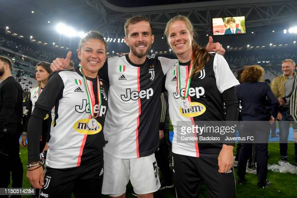 Juventus players Aleksandra Sikora Miralem Pjanic and Sofie Pedersen during the Serie A match between Juventus and Atalanta BC on May 19 2019 in...