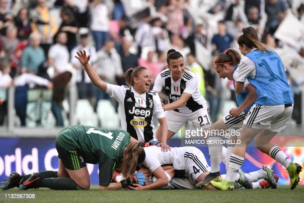 Juventus players celebrate at the end of the Women's Serie A football match Juventus FC vs Fiorentina Women's on March 24 2019 at the Juventus...