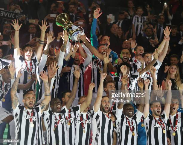 ROME ITALY MAY 09 Juventus players celebrate with the trophy after winning the TIM Cup Final between Juventus and AC Milan at Stadio Olimpico on May...