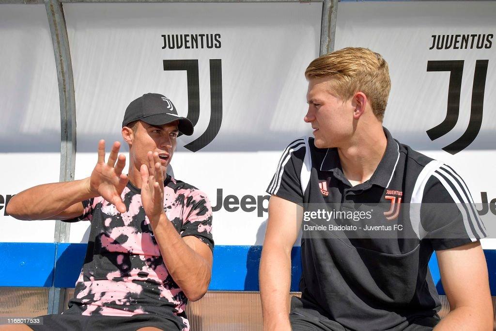 Juventus A v Juventus B - Pre-season Friendly : Foto di attualità
