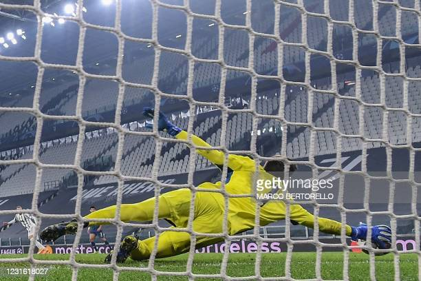 Juventus' Polish goalkeeper Wojciech Szczesny concedes his second goal during the UEFA Champions League round of 16 second leg football match between...