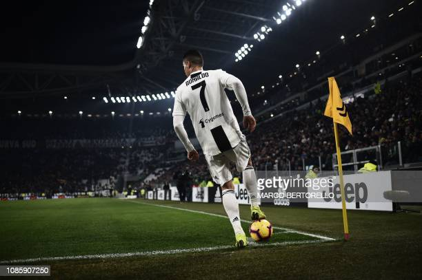 Juventus' Portuguese forward Cristiano Ronaldo prepares to shoot a corner kick during the Italian Serie A football match Juventus vs Chievo Verona on...
