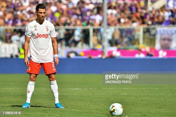 851 Cristiano Ronaldo Free Kick Photos And Premium High Res Pictures Getty Images