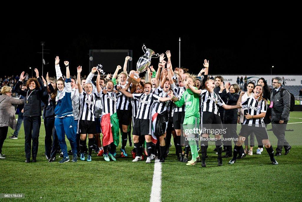 Juventus team celebrate during the women serie A final match between Juventus Women and Brescia calcio Femminile at Silvio Piola Stadium on May 20, 2018 in Novara, Italy.