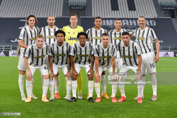 Juventus' team line up prior to the Serie A match between Juventus and UC Sampdoria at on September 20 2020 in Turin Italy