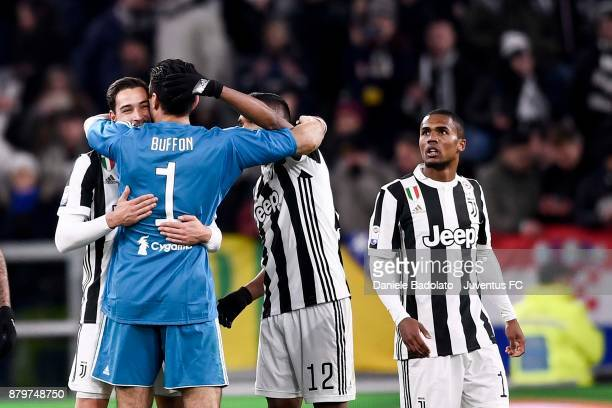 juventus teammates celebrate the victory at the end of the Serie A match between Juventus and FC Crotone at Allianz Stadium on November 26 2017 in...