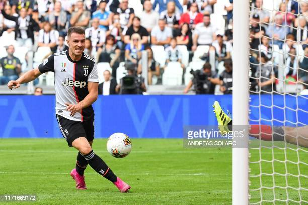 Juventus' Welsh midfielder Aaron Ramsey fails to score during the Italian Serie A football match Juventus vs Spal on September 28 2019 at the...
