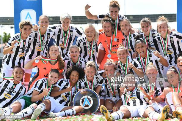 Juventus Women players celebrate after beating FC Internazionale 5-0 to win the Women Serie A Championships after the Women Serie A match between...