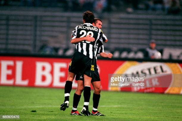 Juventus' Zinedine Zidane congratulates Alessio Tacchinardi after he put his side in front