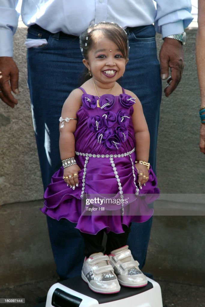 Jyoti Amge Visits The Empire State Building : News Photo