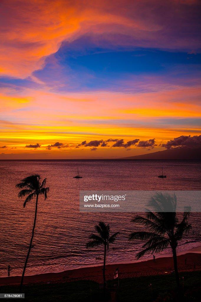 kaanapali beach sunset ストックフォト getty images