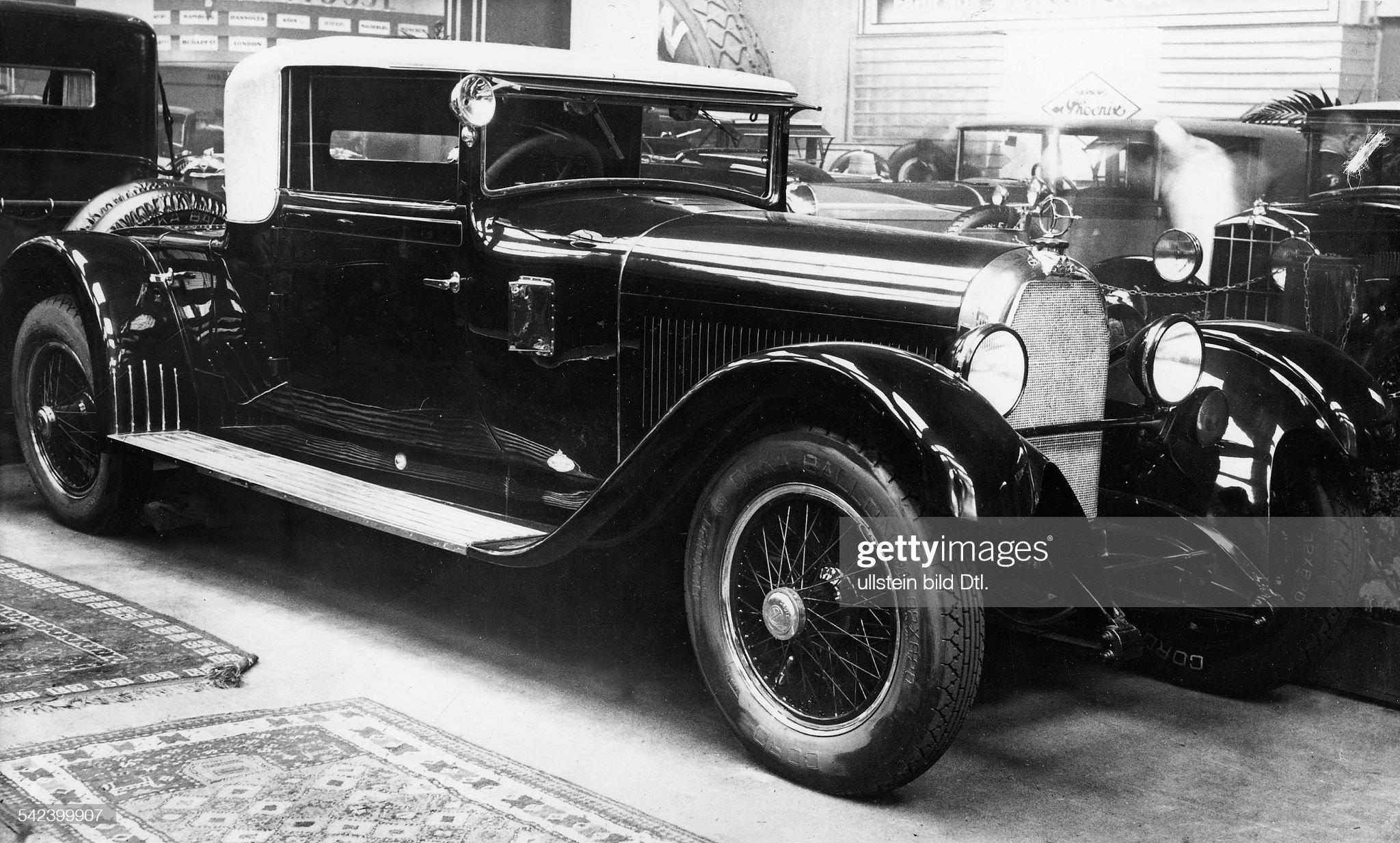 Kabriolett von Austro - Daimler : News Photo