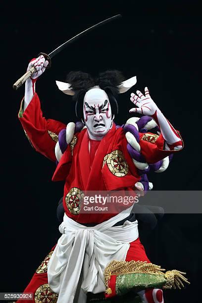Kabuki actor Shido Nakamura performs in the kabuki theatre show 'Hanakurabe Senbonzakura' on April 29 2016 in Tokyo Japan The latest digital...