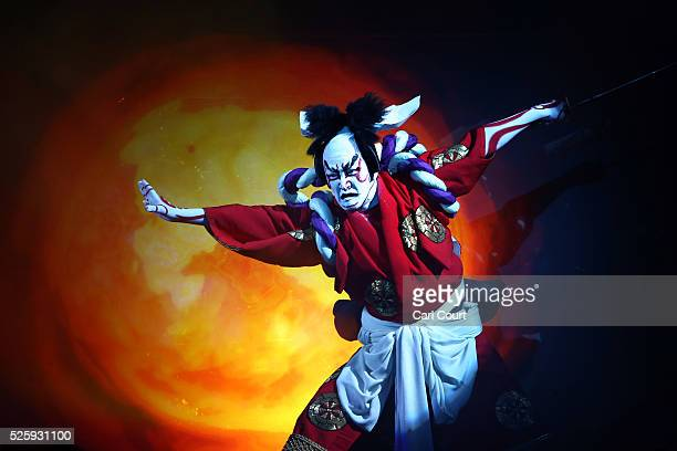 Kabuki actor Shido Nakamura performs in the kabuki theatre show 'Hanakurabe Senbonzakura' on April 29 2016 in Tokyo Japan The latest digital...