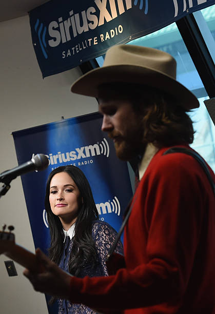 kacey musgraves perform songs from her christmas album a very kacey christmas at the