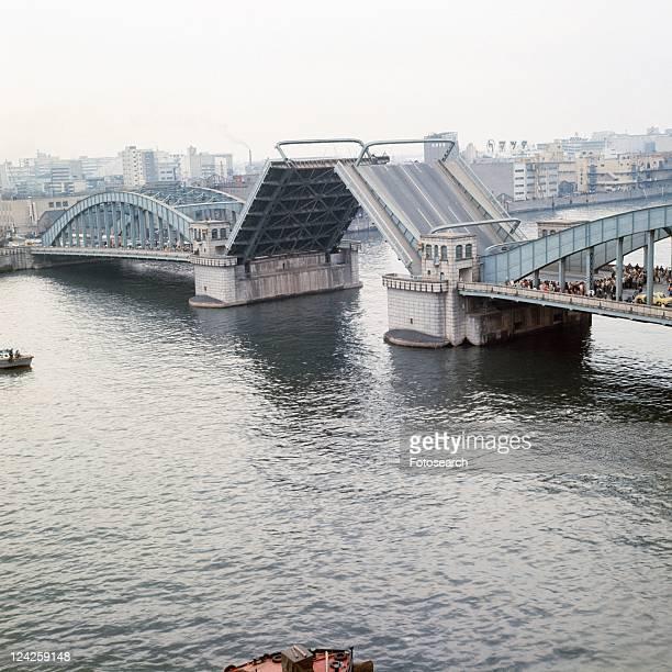 kachidokibashi bridge - showa period stock pictures, royalty-free photos & images