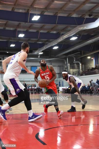 Kadeem Allen of the Maine Red Claws drives to the basket against the Reno Bighorns during the GLeague Showcase on January 11 2018 at the Hershey...