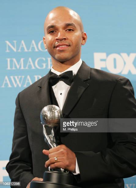 Kadir Nelson illistrator winner Outstanding Literary Work for MOSES When Harriet Tubman Led her People to Freedom