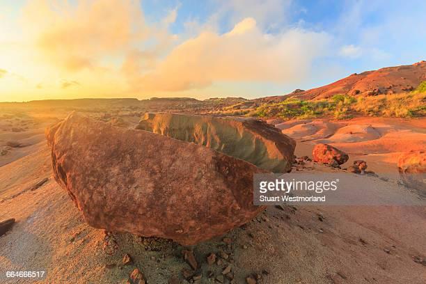 Kaehiakawaelo (Garden of the Gods), landscape of red dirt, lava and rock formations, Lanai Island, Hawaii, USA