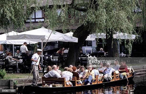 """Kahn an der Anlegestelle vor dem Cafe""""Venedig""""- 1999"""