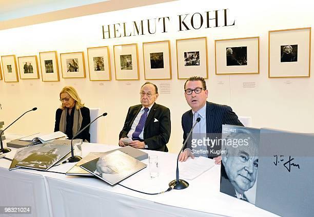 Kai Diekmann , editor in chief of German daily BILD, former German foreign minister Hans Dietrich Genscher and Anja Heyne of publisher Rolf Heyne...