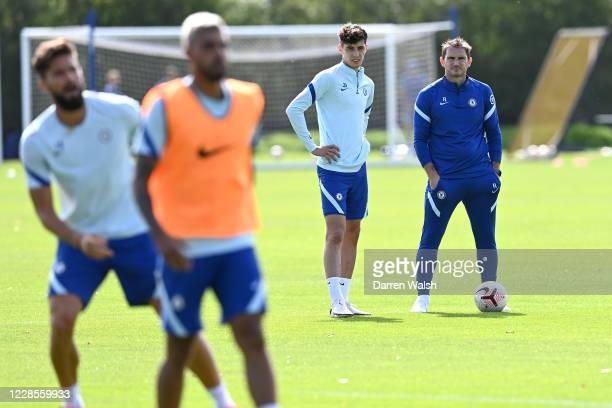 Kai Havertz and Frank Lampard of Chelsea during a training session at Chelsea Training Ground on September 17, 2020 in Cobham, England.
