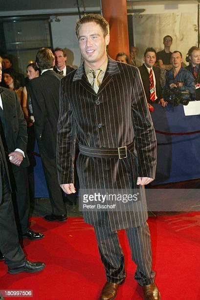 "Kai Pflaume, ARD-Gala, ""Bambi 2002"", Preis-Verleihung, ""Estrel""-Hotel, Berlin, Deutschland, Europa, , Medienpreis, Empfang, roter Teppich, ;"