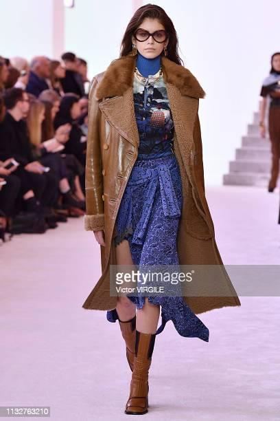 Kaia Gerber walks the runway at the Chloe Ready to Wear fashion show at Paris Fashion Week Autumn/Winter 2019/2020 on February 28, 2019 in Paris,...