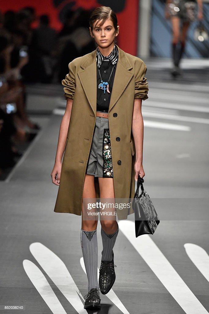 Prada - Runway - Milan Fashion Week Spring/Summer 2018 : Nieuwsfoto's