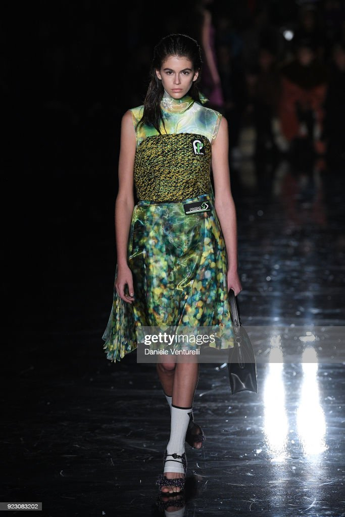 6af709e2b0927 Prada - Runway - Milan Fashion Week Fall Winter 2018 19   Nachrichtenfoto