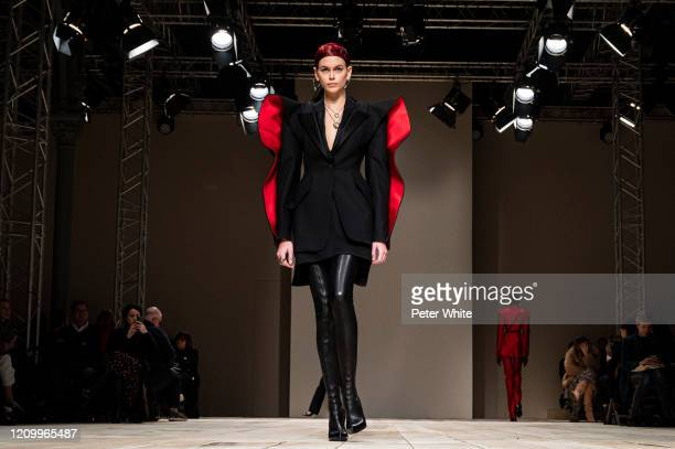 Kaia Gerber walks the runway during the Alexander McQueen as part of the Paris Fashion Week Womenswear Fall/Winter 2020/2021 on March 02, 2020 in...