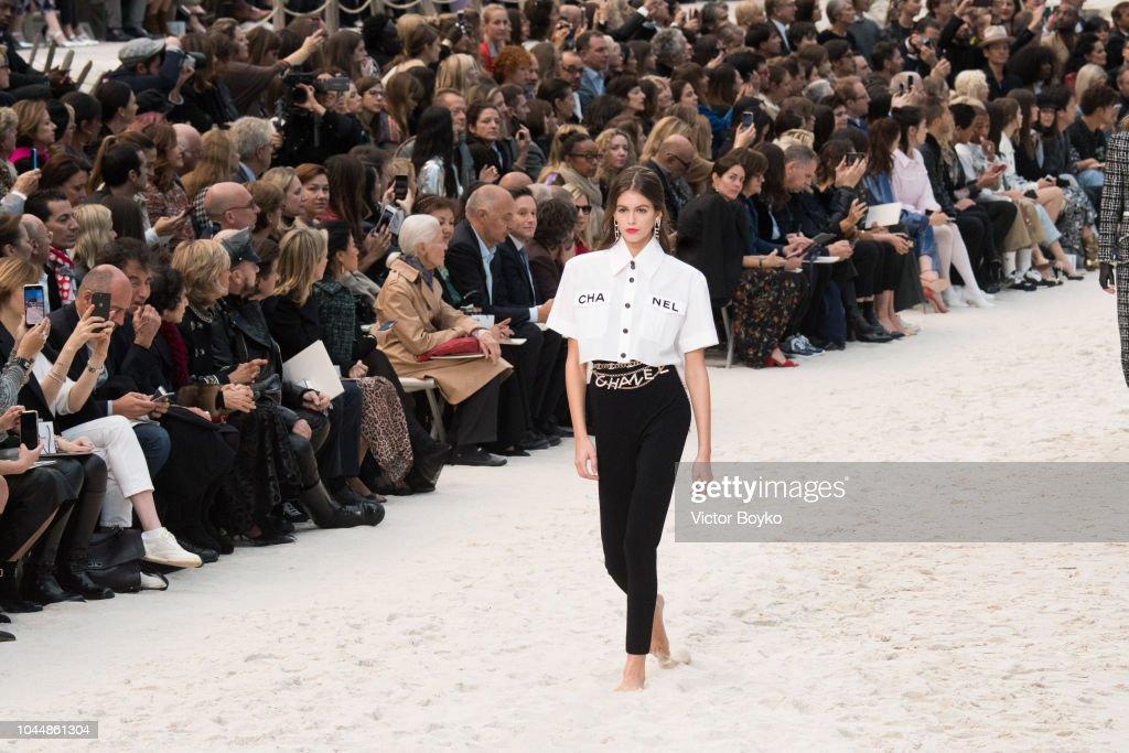 Chanel : Runway - Paris Fashion Week Womenswear Spring/Summer 2019 : News Photo