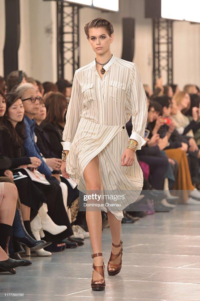 Chloe : Runway - Paris Fashion Week - Womenswear Spring Summer 2020 : News Photo