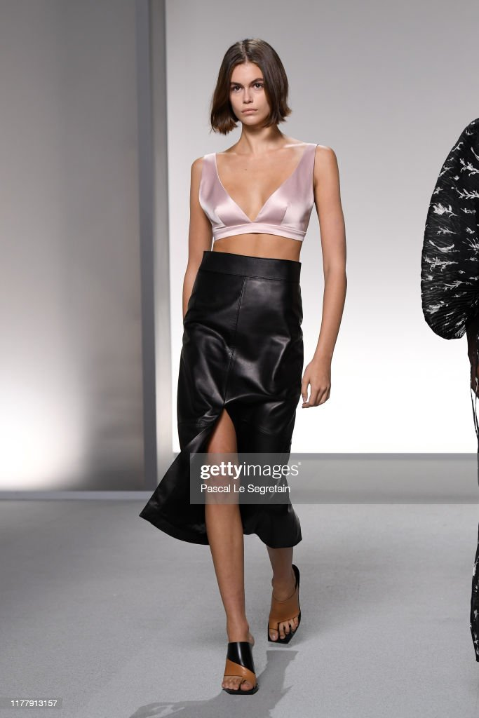 Givenchy : Runway - Paris Fashion Week - Womenswear Spring Summer 2020 : News Photo