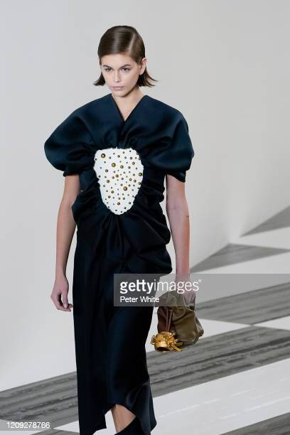 Kaia Gerber walks the runway during the Loewe show as part of the Paris Fashion Week Womenswear Fall/Winter 2020/2021 on February 28, 2020 in Paris,...