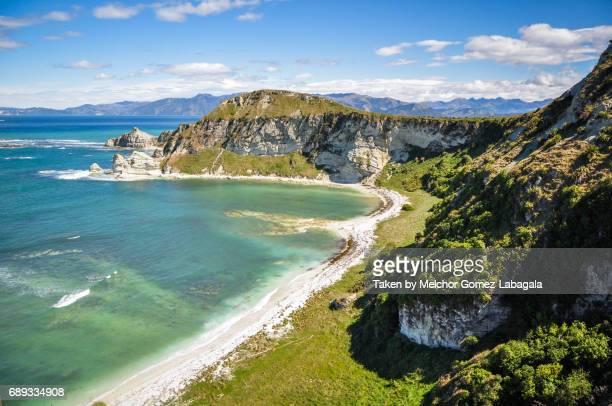 kaikoura coastline - marlborough new zealand stock pictures, royalty-free photos & images