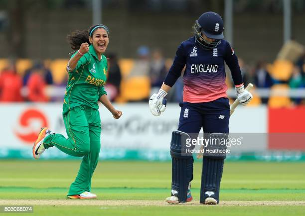 Kainat Imtiaz of Pakistan celebrates taking the wicket of Tasmin Beaumont of England the Women's ICC World Cup group match between England and...