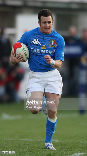 Kaine Robertson of Italy runs with the ball during the RBS Six Natiions match between Italy and England at the Stadio Flaminio on February 10 2008 in...