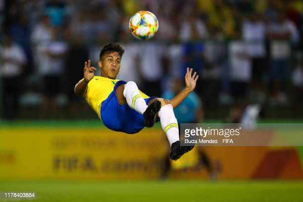 Kaio Jorge of Brazil kicks the ball during the FIFA U17 Men's World Cup Brazil 2019 group A match between Brazil and Canada at Valmir Campelo...