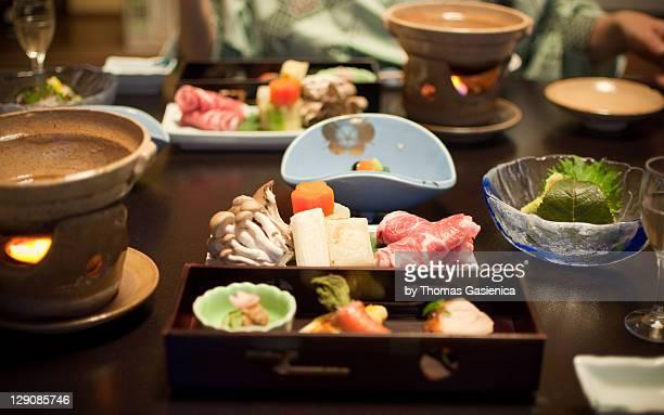 kaiseki dinner at ryokan - 旅館 ストックフォトと画像