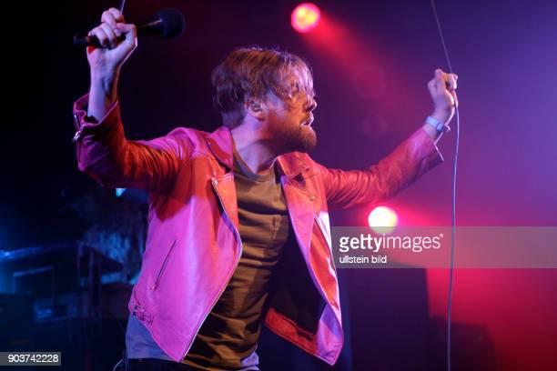 Kaiser Chiefs 'Stay Together'Tour Ricky Wilson Andrew 'Whitey' White Simon Rix Nick 'Peanut' Baines und Vijay Mistry Essigfabrik Siegburger Straße...