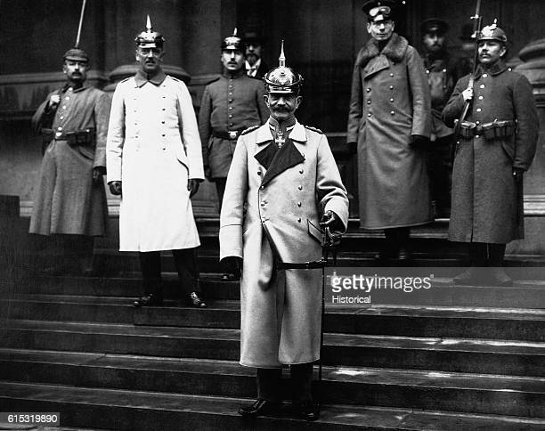 Kaiser Wilhelm and Government Officials