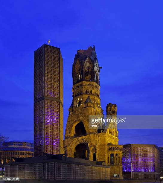 kaiser wilhelm memorial church/ gedächtniskirche (berlin, germany) - memorial kaiser wilhelm - fotografias e filmes do acervo