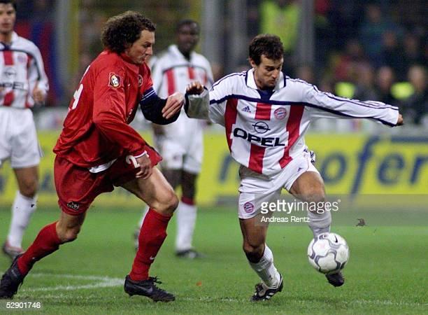 BUNDESLIGA 00/01 Kaiserslautern 1 FC KAISERSLAUTERN FC BAYERN MUENCHEN 00 Harry KOCH/Kaiserslautern Mehmet SCHOLL/BAYERN