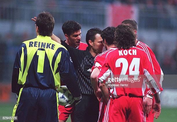 LEAGUE 98/99 VIERTELFINALE Kaiserslautern 1 FC KAISERSLAUTERN FC BAYERN MUENCHEN 04 TORWART Andreas REINKE Michael BALLACK Ciriaco SFORZA Harry KOCH...