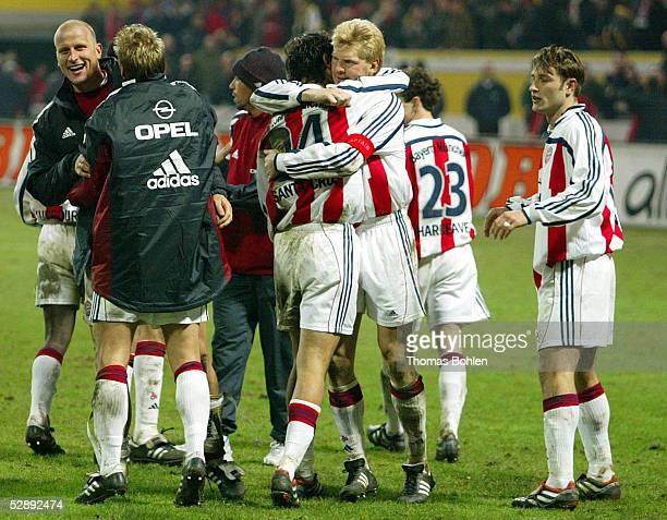 POKAL 01/02 Kaiserslautern 1 FC KAISERSLAUTERN FC BAYERN MUENCHEN 35 nE JUBEL Bayern Muenchen