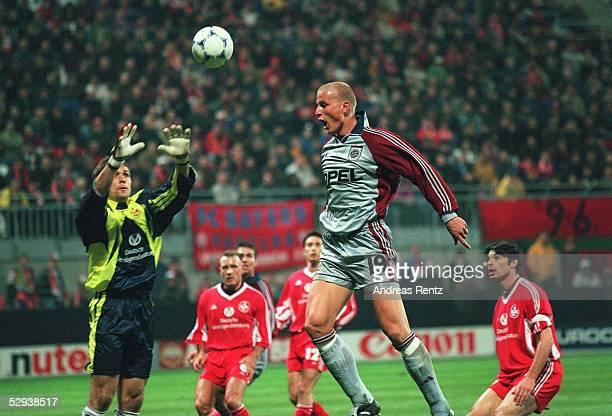 Kaiserslautern 1FC KAISERSLAUTERN FC BAYERN MUENCHEN 04 Torwart Andreas REINKE/Kaiserslautern Carsten JANCKER/Bayern Muenchen