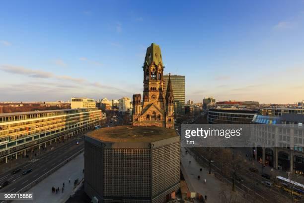 kaiser-wilhelm-gedächtniskirche at breitscheidplatz - berlin skyline  (germany) - kurfürstendamm stock pictures, royalty-free photos & images