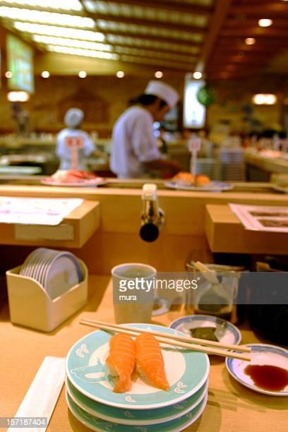 回転寿司レストラン